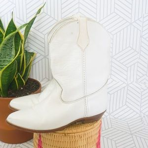 Vintage White Frye leather block heel boots